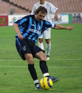 Андрей завязал с футболом в прошлом году.