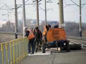Платформу ремонтируют, а подъезда к станции не наблюдается...