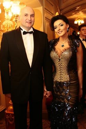 Хорошо быть дизайнером - Диана Дорожкина сама шьет себе платья.