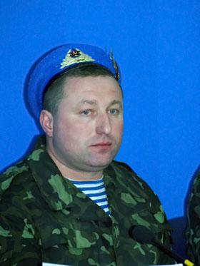 На пресс-конференции Емчук держался уверенно.