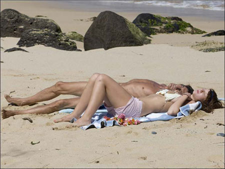 Они валялись на пляже... Фото: с сайта newsoftheworld.co.uk