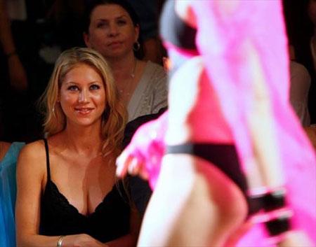 В последнее время Аню гораздо чаще можно увидеть на модных показах и вечеринках, чем на корте. Фото: АР