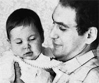 Молодой папа Ян Арлазоров души не чаял в дочке Алене.