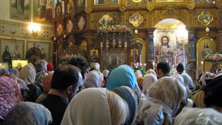 Во Введенском монастыре тысячи верующих помолились перед иконой Богородицы «Призри на смирение».
