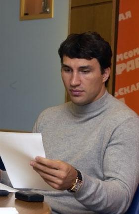 Владимир: - Пишите заявления в письменной форме! В течение года рассмотрим...