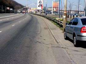 На Набережно- Крещатикской ремонт еще и не начинали.