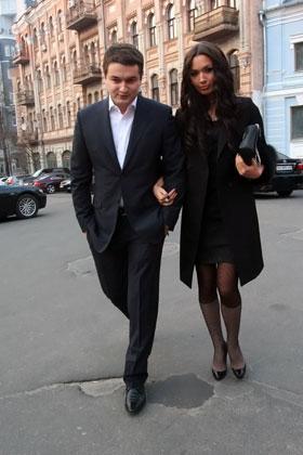 Андрей Ющенко и Лиза Ефросинина появились вместе на публике после долгого перерыва.