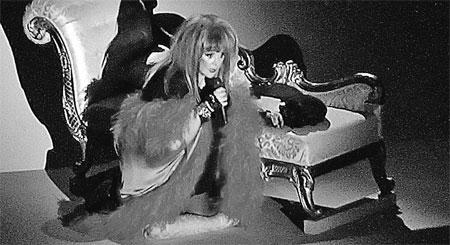 На московских сольниках певица показала не только новое шоу, но и обновленный имидж.