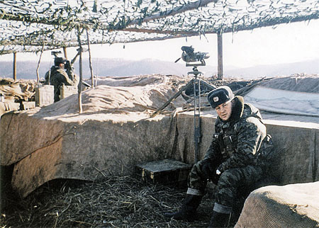 Чечня-1999. Командно-наблюдательный пункт танкового полка. Тут Буданову объявили об аресте и приказали сдать личное оружие. Полковник бросил пистолет к ногам начальника...