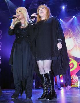 Новый звездный дуэт: Примадонна и Таисия Повалий исполнили «Паромщика».