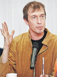 Сергей Соседов, музыкальный обозреватель.