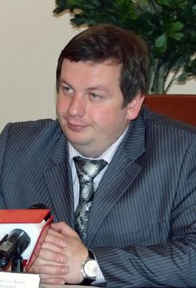 Евгений Романенко, глава Подольской администрации: - На Подоле и без этой горы есть места для строительства...