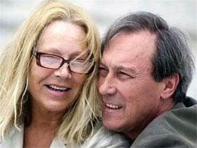 Со своей женой Людмилой Янковский познакомился на втором курсе театрального училища. С тех пор они вместе.