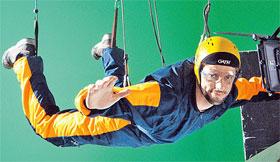 Съемки экстремальных прыжков едва не стоили Джеймсу жизни.