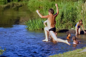 Пока в реках можно еще купаться...