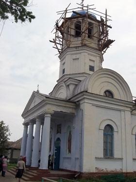 Введенский храм теперь каждую неделю посещают сотни паломников со всей страны.