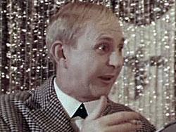 Отец Сергея, известный актер Борис Новиков умер еще в 1997 году в возрасте 72 лет, как водится у нас, больной и всеми забытый