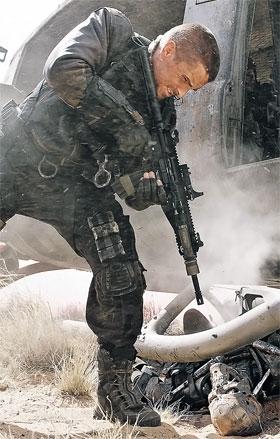 В новом «Терминаторе» у Бэйла роль Джона Коннора - спасителя человечества от всевластия роботов.