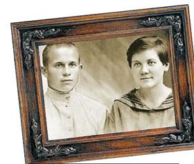 В юности Хрущев называл жену согласно моде - по фамилии.
