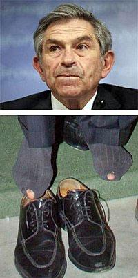 Пол Вулфовиц выставил напоказ дырявые носки, чтоб сохранить должность всемирного банкира и высокую зарплату любимой женщине.