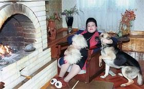 Людмила Георгиевна со своими верными друзьями... Фото: ИТАР-ТАСС