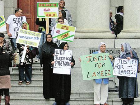 На лозунгах: «Верните смертную казнь!», «Остановите криминал!», «Верните правосудие!»