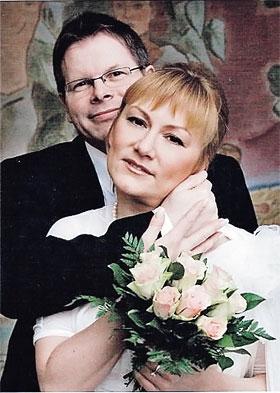 Карина, по словам родных, обрела свое счастье с немецким бизнесменом.