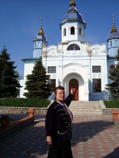 Жительница Беево Кристина Марюха: - Не имеет значения, к какой конфессии принадлежит батюшка, ведь вера у нас одна - православная!