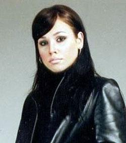Такой была Марина Лизоркина три года назад, когда пришла в группу. Стилисты превратили симпатичную девушку в настоящую красотку. Фото: KP.RU.