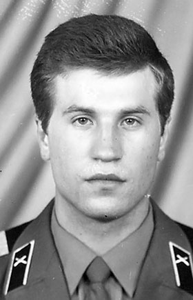 Погибшему члену экипажа «Марафона» Сергею Вартенкову было 40 лет.