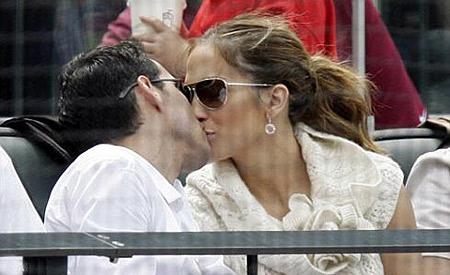 Джей-Ло добилась-таки своего и завладела мужем, оторвав его от бейсбола. Фото: АП.