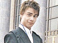 Трудно представить, что такой примерный, играющий на скрипочке Саша мог ночи напролет хулиганить на улицах Осло.