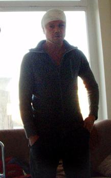 Актер в больничной палате. Фото: Хайырбек ЭМЗЕЕВ