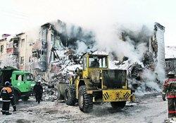 Взрыв газа разрушил 12 квартир. 8 человек (по данным на момент подписания этого номера «КП») погибли.