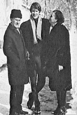 Александр Абдулов с папой и мамой.