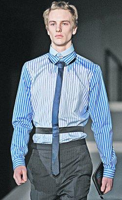 Миучча Прада (Prada) превзошла всех в деталях - она предложила двойные воротнички и галстуки-пояса.