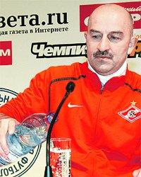 Черчесов: - А я заявляю, глотнув минералки: помчимся к победе, как «бумер» с мигалкой!