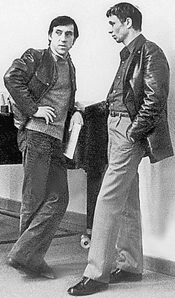 1974 год. Вместе с Олегом Далем. Они были близкими друзьями. На похоронах Высоцкого в июле 1980-го Даль сказал: «А теперь моя очередь». Даль умер спустя семь месяцев - в марте 1981 года.