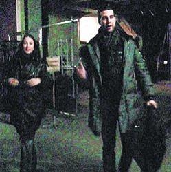 Жена Ивана Урганта Наталья Кикнадзе сопровождает его на съемки, несмотря на интересное положение.