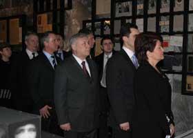 Президента сопровождало руководство области и столичные гости.