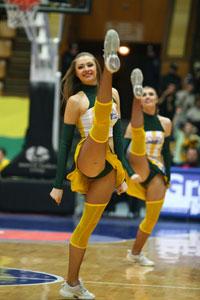 «Киеву» не помогли ни красотки из группы поддержки...