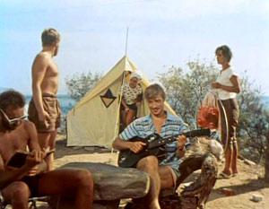 После фильма «Три плюс два» Жариков (с гитарой) стал любимцем всех советских женщин.