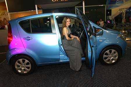Opel представил Agila. Компактные городские авто становятся популярными.