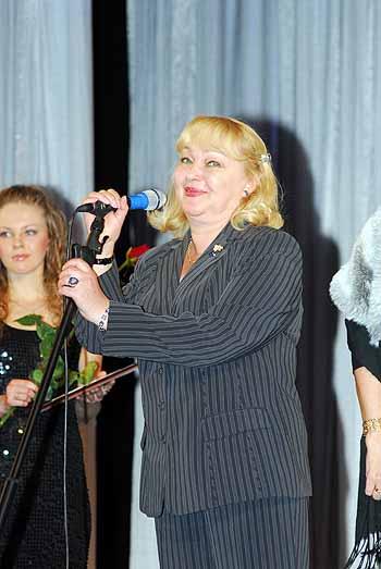 Гвоздикова уже 40 лет на сцене.
