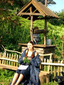 Анна Снаткина играет 19-летнюю наивную девушку.