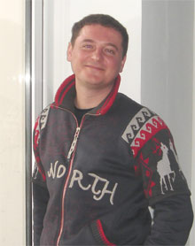 Сергей Евсеенко подарил три «Книжных коллекции» своей школе №88.