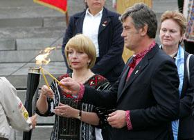 Президентская чета почтила память жертв Голодомора.