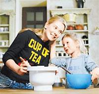 Дочка - Высоцкой: - Вырасту и тоже напишу книгу о еде.