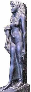Базальтовая статуя царицы, сделанная через несколько лет после ее смерти