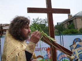 Отец Владимир считает, что это святая земля.
